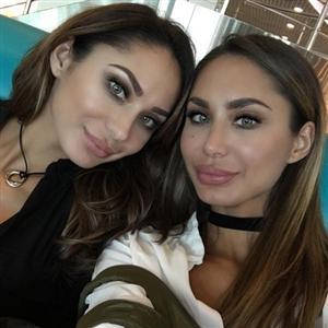 Сестры Кочкаровы (Анита и Алия) - фото из Инстаграм