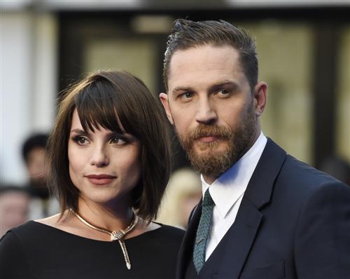 Том Харди и его жена Шарлотта Райли