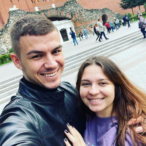 Экстрасенс Владислав Череватый и его девушка Лена