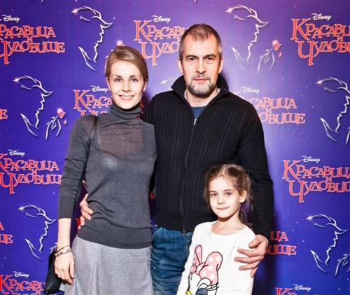 Вячеслав Разбегаев с женой и дочерью