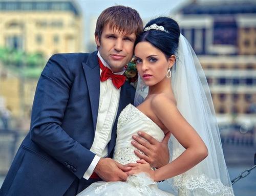 Участница Дома-2 Юлия Ефременкова и её муж актёр Тимур