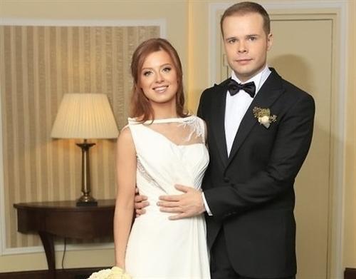 Юлия Савичева и её муж Александр Аршинов (фото свадьбы)